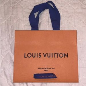 Louis Vuitton gift bag with ribbon